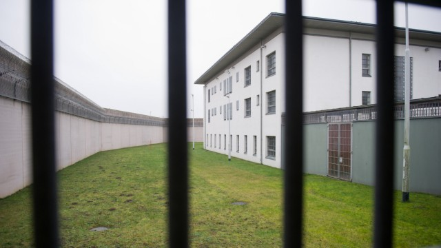 Arbeit und Ausbildung im Strafvollzug