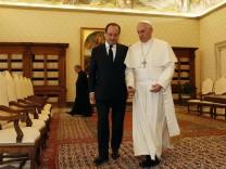 Hollande meets Pope Francis