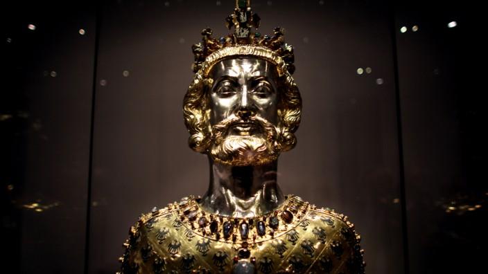 Büste von Karl dem Großen im Dom in Aachen