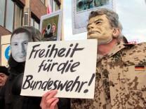 Sicherheitskonferenz Muenchen Bayern Bayern Deutschland Gegendemonstration von linken Gruppierun