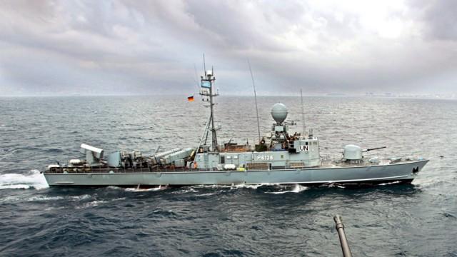 Deutsches Patrouillenboot vor der libanesischen Küste