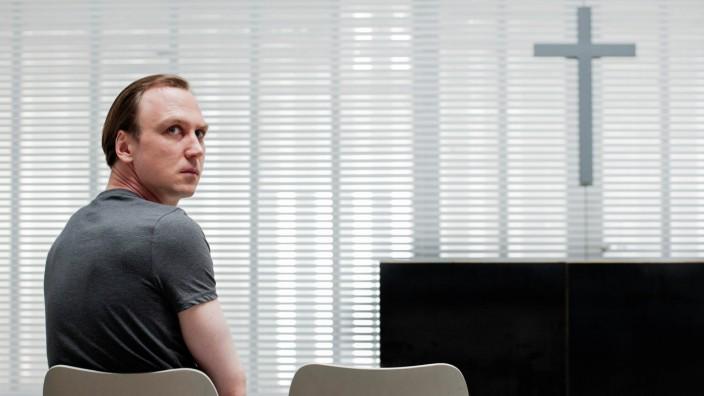"""Lars Eidinger in """"Der Prediger"""""""