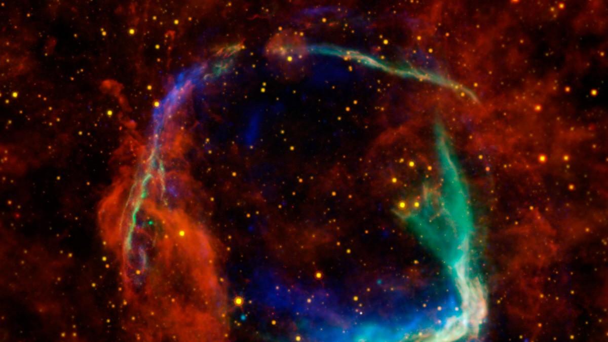 Supernova spuckte Sternen-Großvater aus