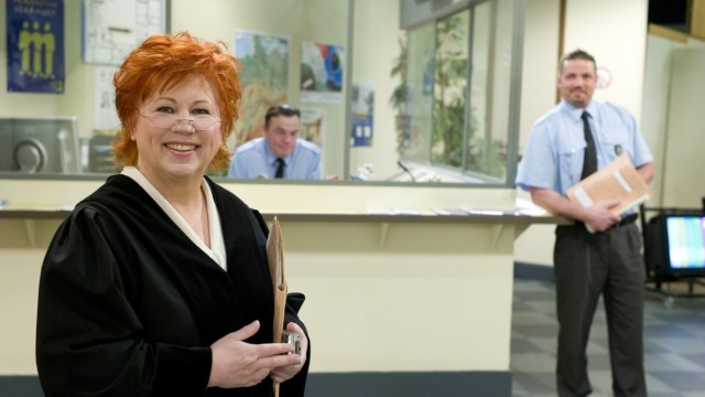 """Richterin Barbara Salesch. (c) © SAT.1 GoldBitte weisen Sie auf die Sendung """"Richterin Barbara Salesch"""" (mo-fr, 14.35 Uhr bei SAT.1 Gold) hin."""
