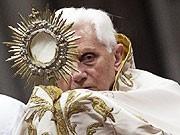 Ratzinger, Reuters