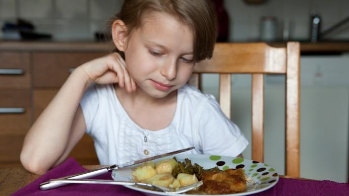 Kein Fisch, kein Fleisch: Essenswünsche von Kindern tolerieren