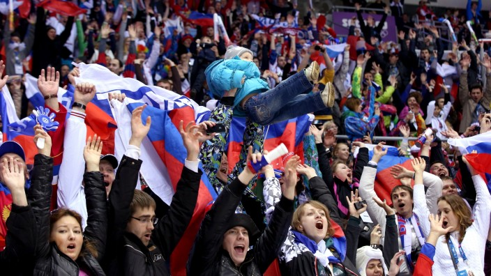 Ice Hockey - Winter Olympics Day 6 - Russia v Slovenia