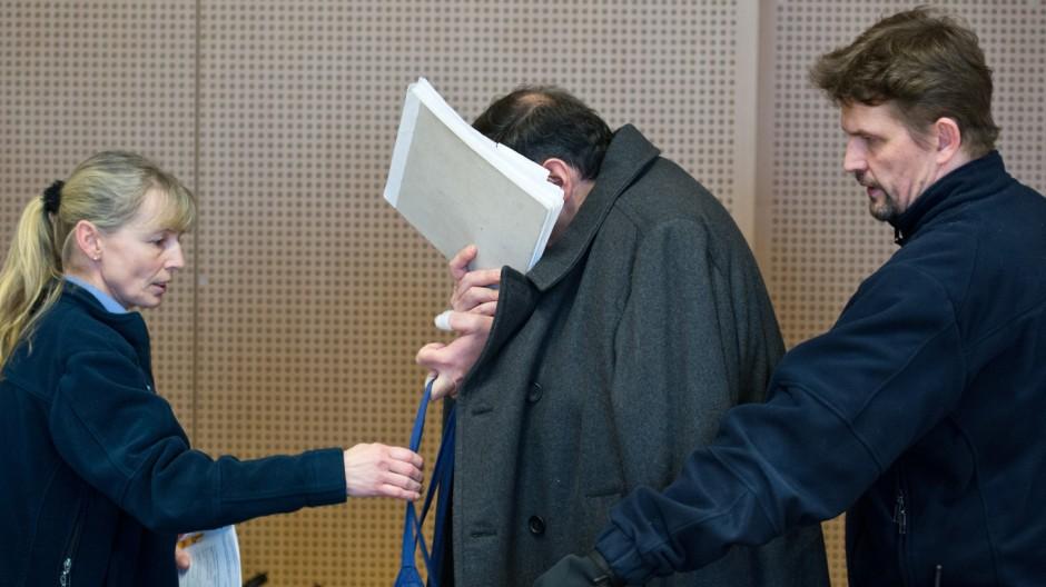 Flugschüler wegen Mordversuchs vor Gericht
