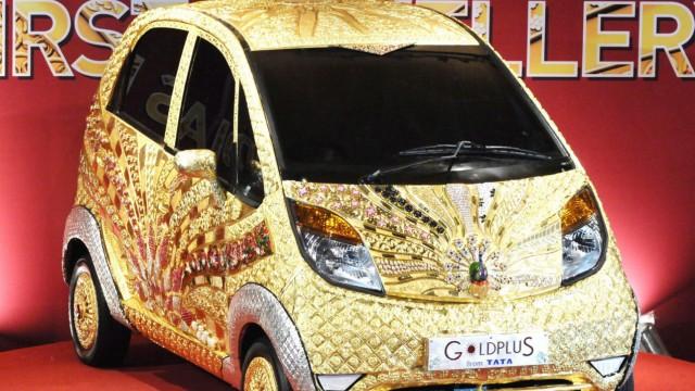 World's first gold jewelery car