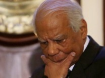 Egyptian government resigns