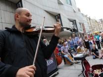 Straßenmusiker Igor Stravansky in München, 2010
