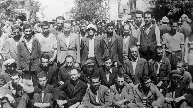 Jüdische Männer in Saloniki, 1942