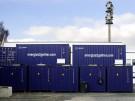 Container vor dem GfE Firmengebäude