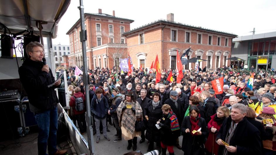 Demonstration - Kein Neonazi-Zentrum in München-Obermenzing! Auftakt: Bahnhofsvorplatz München-Pasing