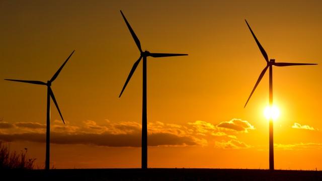 Windenergie im Sonnenuntergang