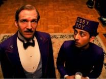 """Ralph Fiennes und Tony Revolori in """"Grand Budapest Hotel"""""""