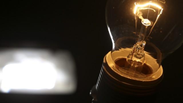 Glühbirne und Halogenlampe