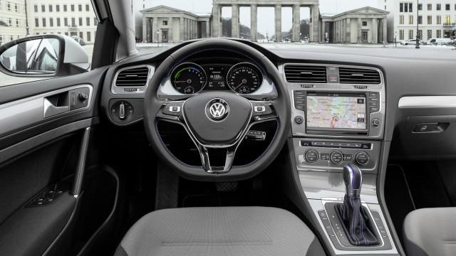 Der Innenraum des VW E-Golf.