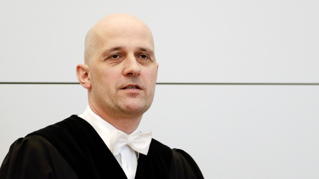 German judge Heindl arrives for continuation of tax evasion trial against Bayern Munich President Hoeness at regional court in Munich