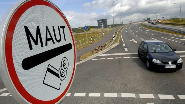 Mautschild am Warnowtunnel in Rostock