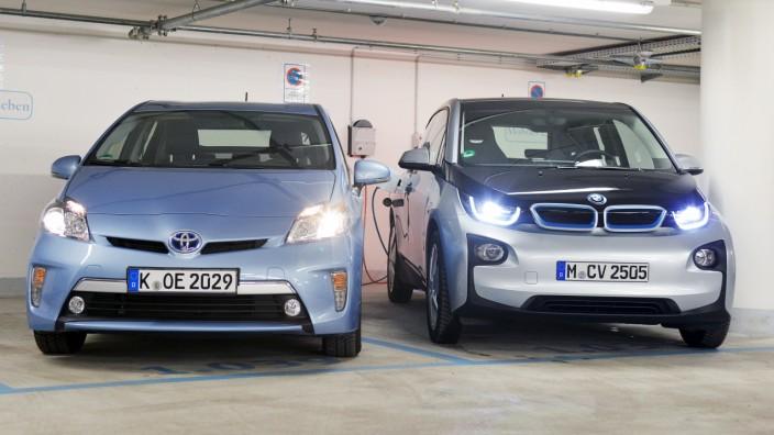Toyota Prius Plug-in-Hybrid und BMW i3