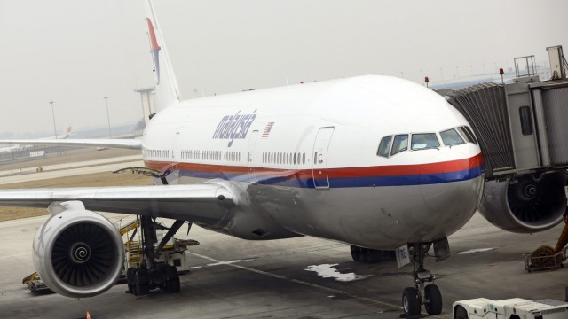 Search underway for Malaysia Airlines jet