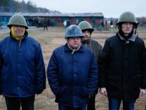 Members of a 'Maidan' self-defense battalion take part in a training at a Ukrainian Interior Ministry base near Kiev