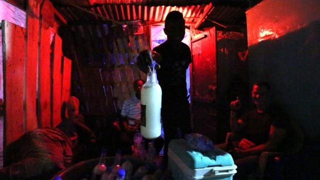 Weißwein in einer Bar in Guinea-Bissau