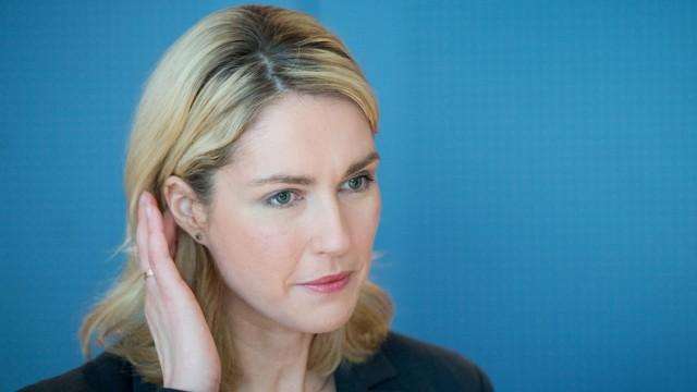 Bundesfamilienministerin Schwesig zu Elterngeld Plus
