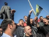 Pro-russische Demonstranten in Donezk