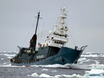 Japanisches Walfangschiff
