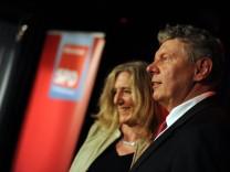 Sabine Nallinger und Dieter Reiter, neu gewählter Münchner Oberbürgermeister, auf der SPD-Wahlparty in München, 2014