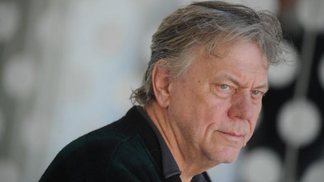 """Johan Simons Kontroverse um geplante Inszenierung von """"Die Neger"""""""