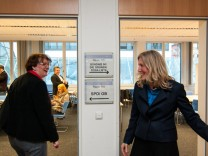 Sabine Nallinger und Christine Strobl bei Kommunalwahl in München, 2014