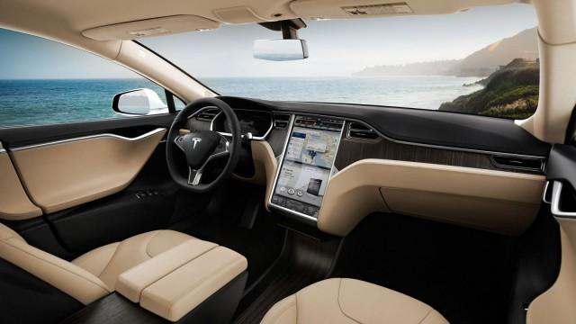 Der Innenraum des Tesla Model S.