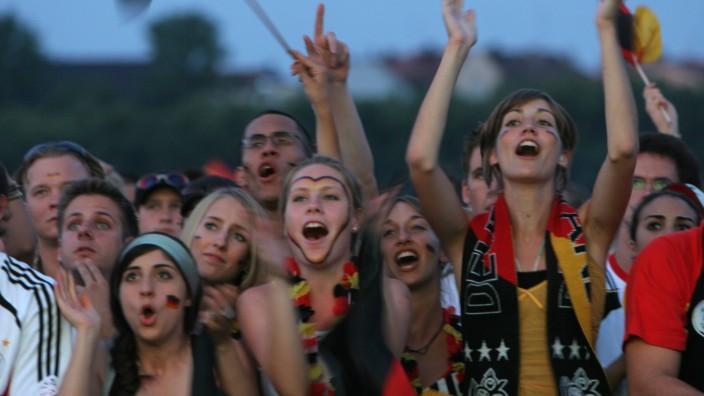 Deutsche Fans beim Halbfinale der Fußball-WM 2006