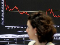 Stock Exchange Reacts To Greece's Return To International Bond Markets