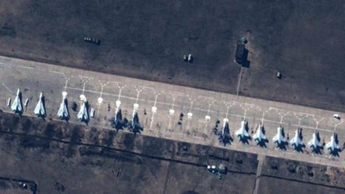 Ukraine Russland Nato Militärpräsenz Flugzeuge
