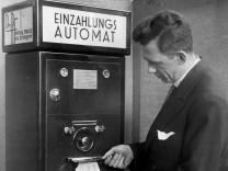 Einzahlungsautomat, 1931