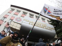 Besetzte Polizeizentrale in Donezk