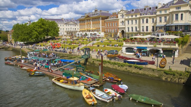 Bootsanleger in Londons Nobel-Vorort Richmond upon Thames