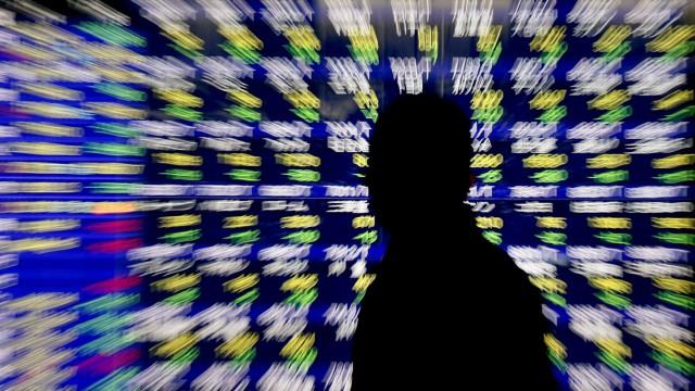 Japan stocks plunge on yen's rise
