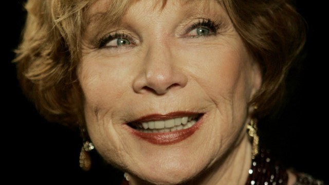 Actress Shirley MacLaine is interviewed at the Palm Springs International Film Festival gala