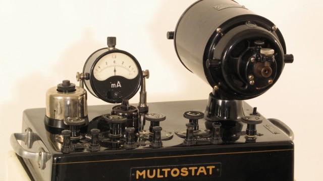 Erster Weltkrieg Elektrotherapie Gerät für Kriegszitterer Teil der Ausstellung über den Ersten Weltkrieg im Deutschen Historischen Museum in Berlin
