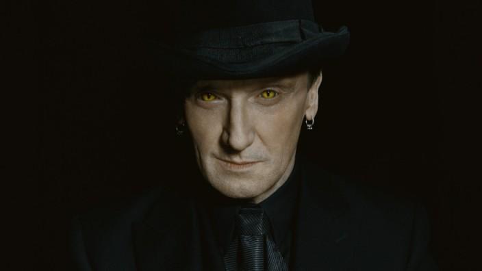 """Ex-""""Armani-Rocker"""" im Vampirlook: Marius Müller-Westernhagen."""