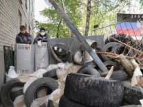 Militants Occupy Eastern Ukrainian City Of Slovyansk