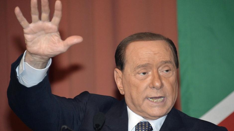 Silvio Berlusconi campaigning