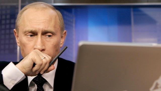 Putin beantwortet Fragen von Internet-Usern