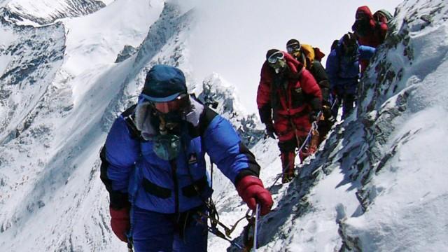 Japanese mountaineer Takako Arayama leads climbers on way  to top of Mount Everest