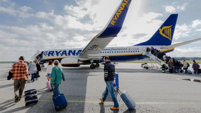 Ryanair-Maschine Flughafen Blankenese